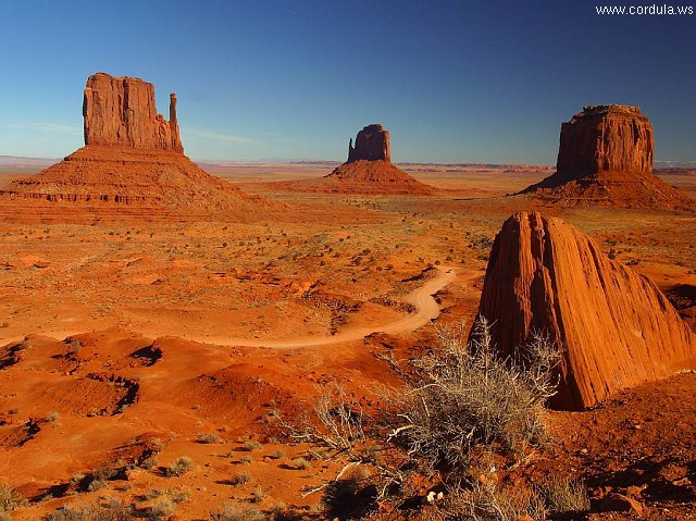 Cordula's Web. PDPHOTO.ORG. Monument Valley.