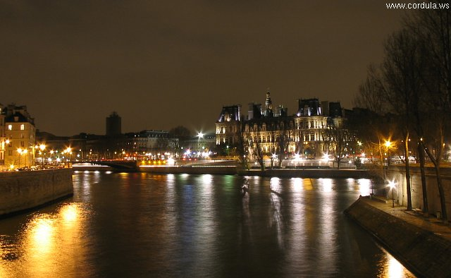 Cordula's Web. Wikicommons. Paris by Night from the Seine.
