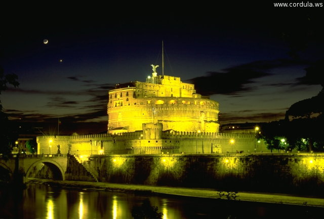 Cordula's Web. Wikicommons. Castel Sant' Angelo at Night, Roma.